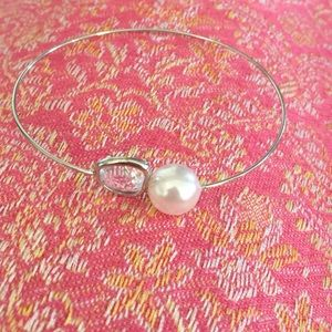 Jewelry - Adjustable pearl and clear stone bracelet